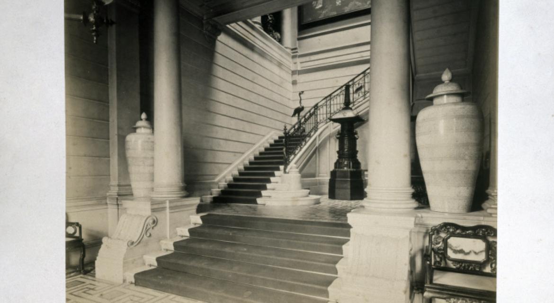 Vue de l'escalier d'honneur musée Cernuschi