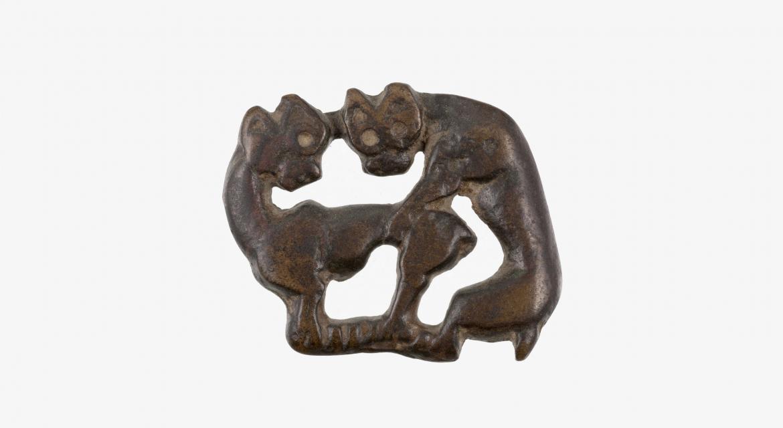 """""""Plaque"""". Nord-est de la Chine. Bronze, Vème-VIème siècle av. J.-C. Paris, musée Cernuschi."""