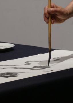 Démonstration de calligraphie © Droits réservés, Service des Publics Musée Cernuschi